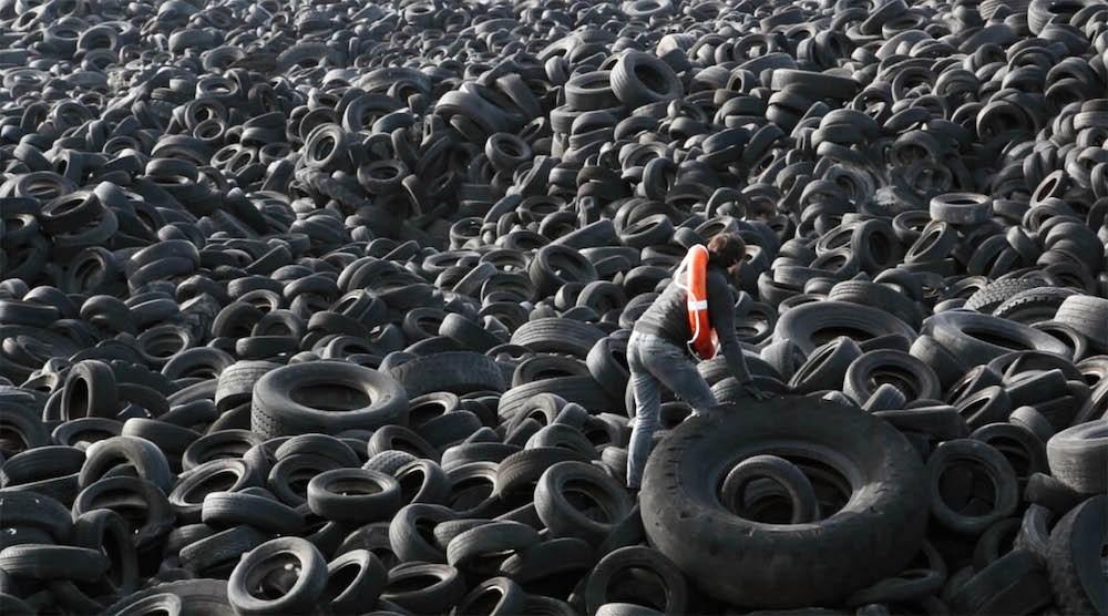 Un mar de neumáticos