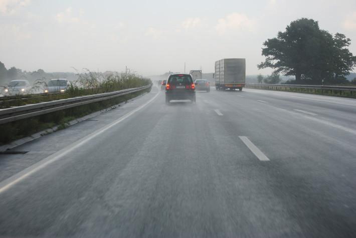 aumentar-la-distancia-de-seguridad-es-una-medida-para-evitar-accidentes-fuente