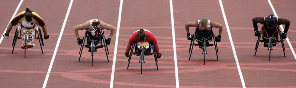 Los de sillas de ruedas, esos neumáticos que no vemos