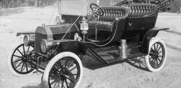 Las primeras ruedas eran blancas, no negras