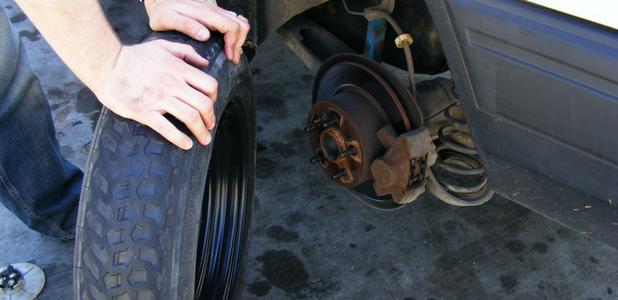 Lo mejor es cambiar las ruedas de dos en dos