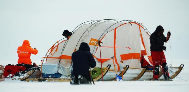 Viaje al centro de la Antártida (¡en trineo de viento!)