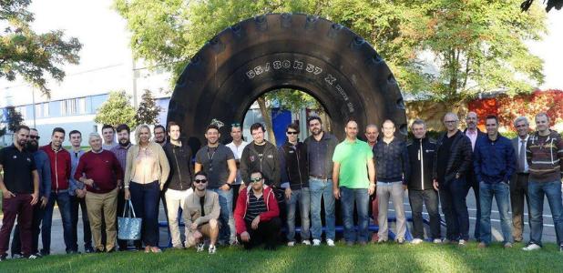 Los neumáticos más grandes del mundo se hacen en Vitoria