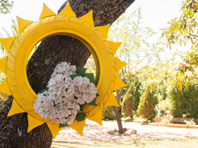 Maceta con forma de sol para el jardín