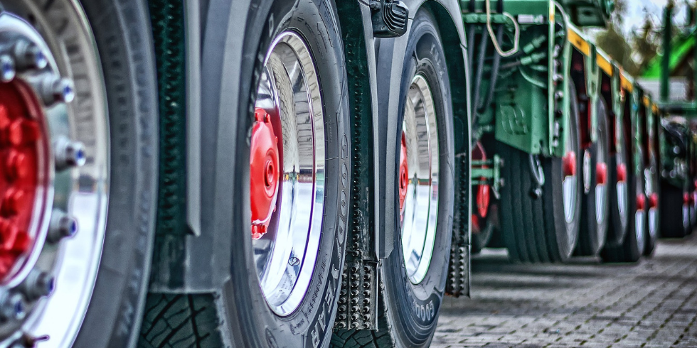 Neumáticos reesculturados y recauchutados: cómo benefician al medio ambiente