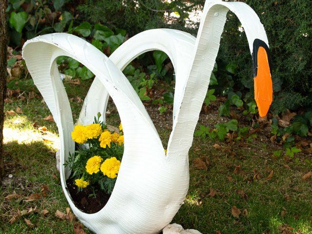 Cómo hacer una maceta con forma de cisne