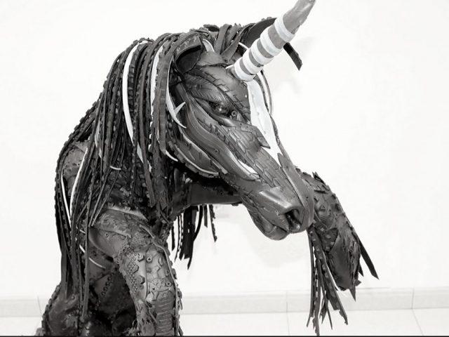 Visitamos el museo de esculturas con neumáticos reciclados en Fuerteventura
