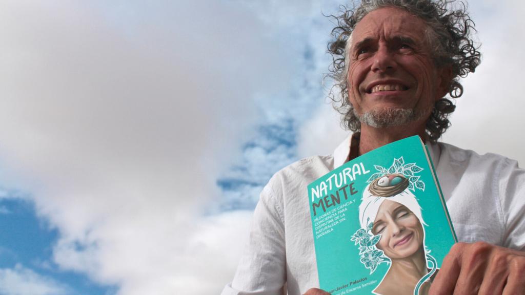 Cesa Javier Palacios presenta su nuevo libro NaturalMente