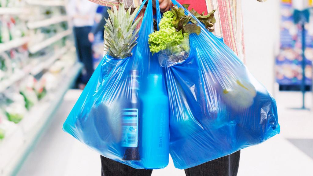 2021: Adiós a las bolsas de plástico (pero no a todas)