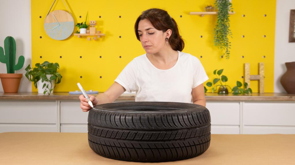Neumático completo para proyectos como taburetes o mesas
