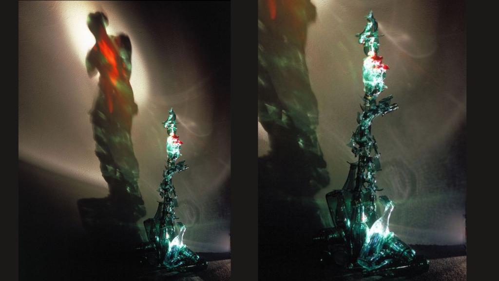 Venus de Milo versionada por Diet Wiegman a través de botellas de vidrio recicladas